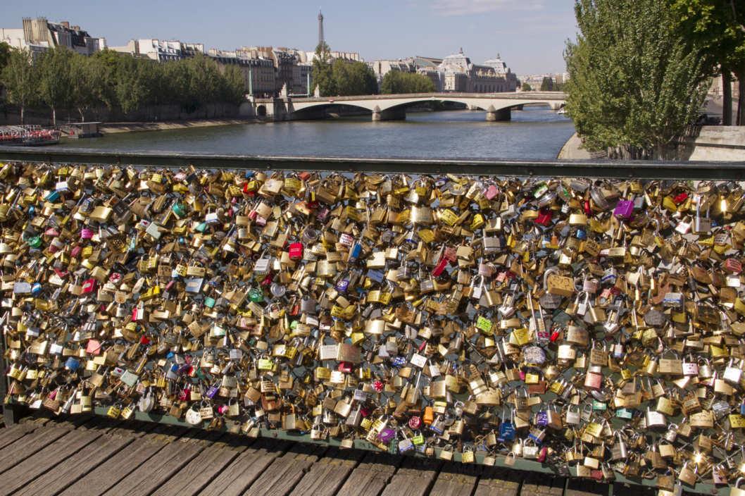09-pont-des-arts.w529.h352.2x