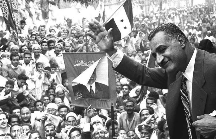 Nasser_in_Mansoura,_1960