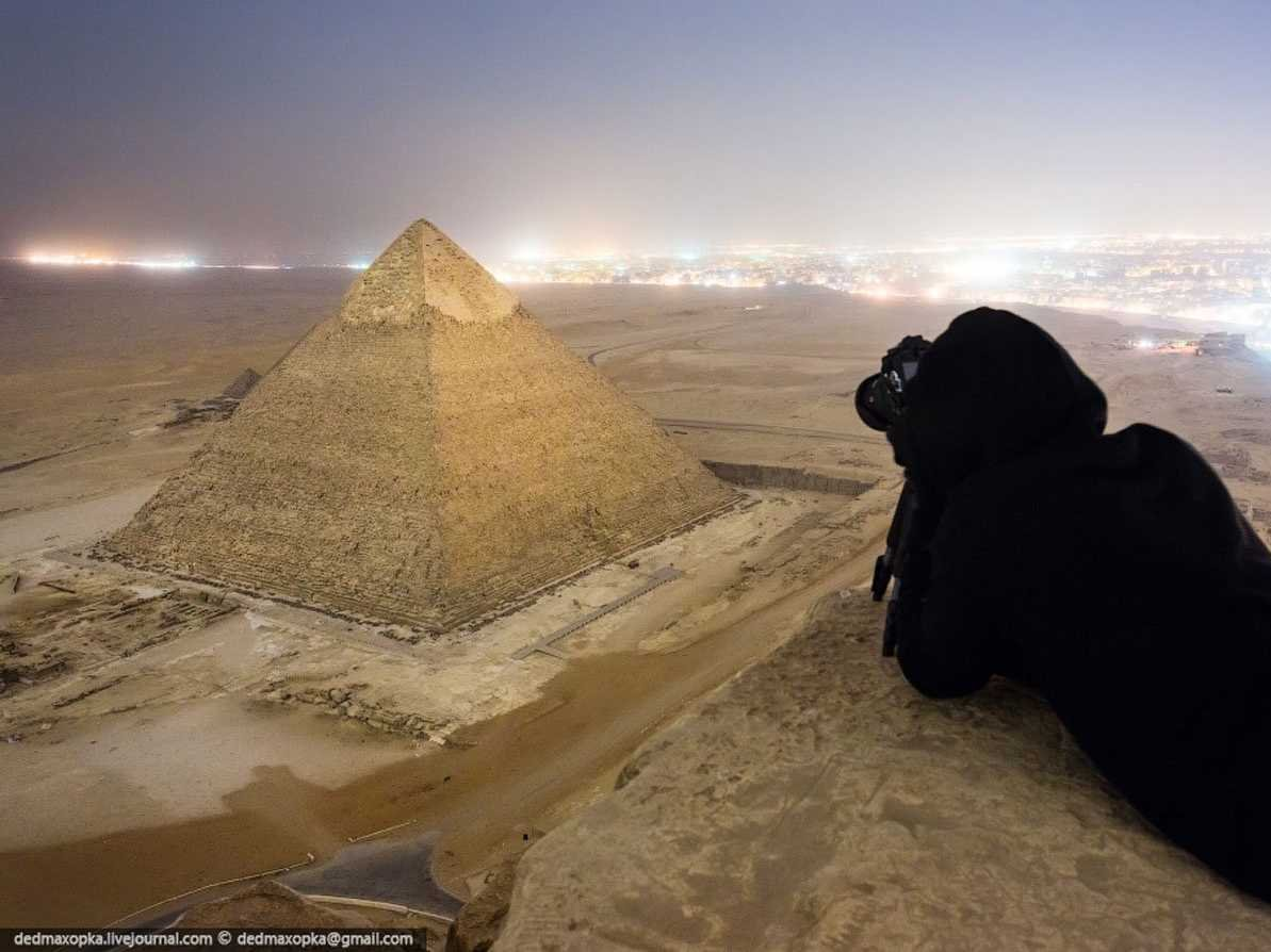 the-russian-photographers-have-recently-gained-attention-for-capturing-these-illegal-photographs-of-the-great-pyramid-of-giza-in-cairo-egypt
