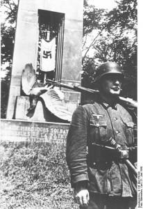 "Compiègne, ""Denkmal des gallischen Triumphes"""