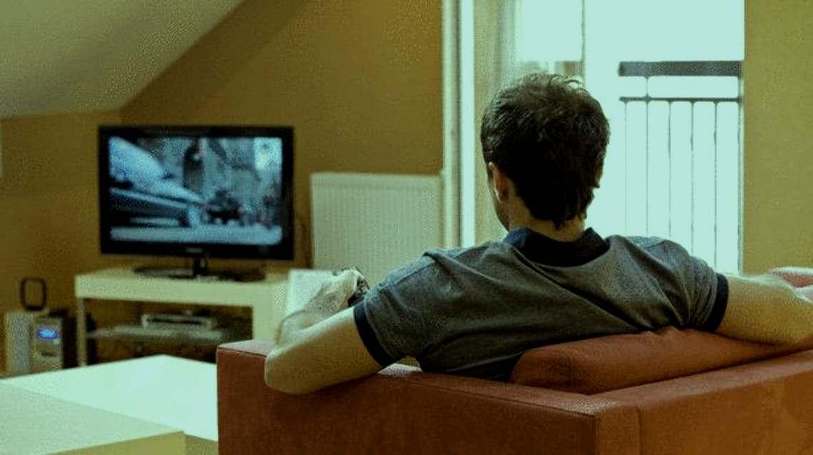 هؤلاء أكثر عرضة للإصابة بسكتة دماغية بسبب مشاهدة التلفزيون