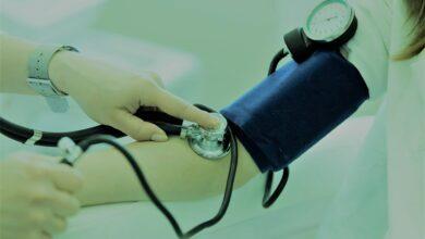 أفضل 10 أطعمة لخفض ضغط الدم المرتفع