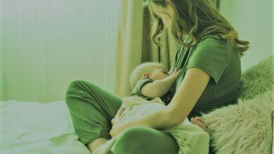 هل الرضاعة الطبيعية آمنة مع إصابة الأم بفيروس كورونا؟