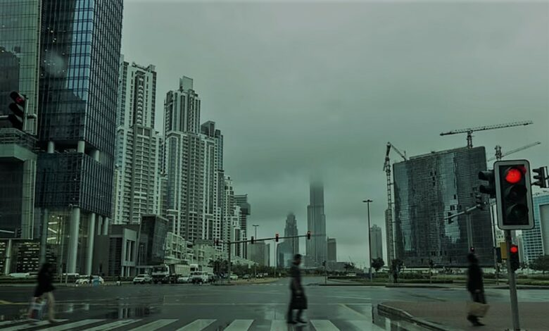 الإمارات تصنع أمطارًا «مزيفة»