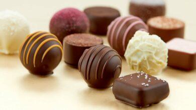 تناول قطعة من شوكولاتة الحليب في هذا الوقت يحرق الدهون