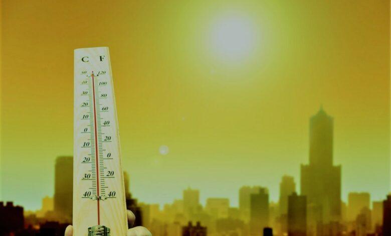 إدارة الغذاء والدواء:الشمس ضارة حتي في الأيام الملبدة بالغيوم... تصيبك بسرطان الجلد