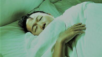 أسباب للتعرق أثناء النوم لا علاقة لها بحرارة الصيف