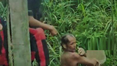 رجل يعثر على عائلته بعد سقوطه في بئر