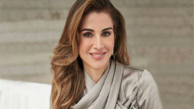 فيديو نادر.. الملكة رانيا تحتفل بعيد ميلاد ابنتيها بأغنية نانسي عجرم