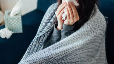 مع حلول الشتاء.. أطعمة يُحذر تناولها عند الإصابة بنزلات البرد
